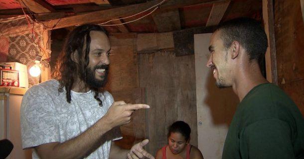 Gabriel, O Pensador e o catador João Rodrigues Cerqueira (Foto: Divulgação)
