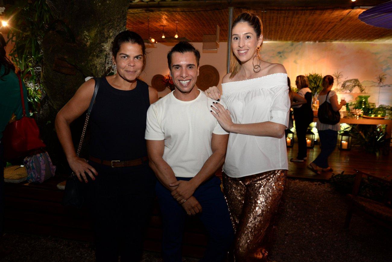 Daniela Falcão, G Junior e Paula Merlo (Foto: Miguel Sá)