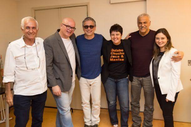 Os produtores Miguel Bacelar, Carlos Belém ao lado de Zé Ranato, Roberta Sudbrack, Danilo Caymmi e a produtora Natália Guimarães (Foto: Camilla Guimarães)