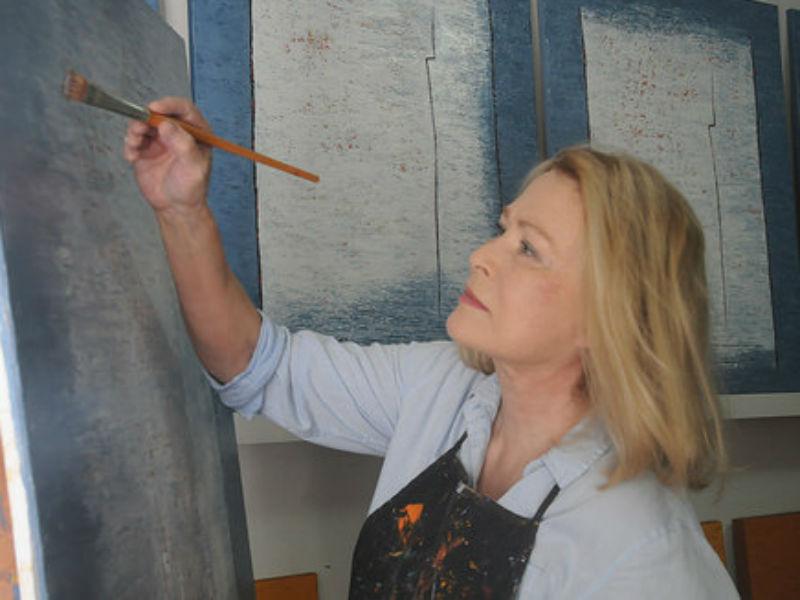 """A artista holandesa Thera Regouin expõe a série """"Escapando do Caos"""" na Galeria de Arte CorMovimento (Foto: Divulgação)"""