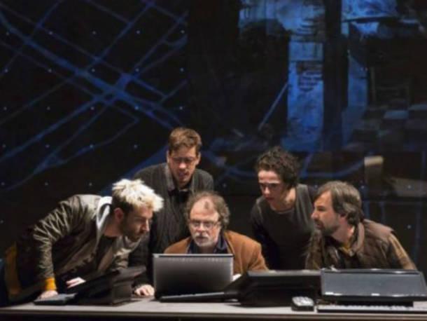"""O espetáculo """"Céus"""" está em cartaz no Teatro Poeira, em Botafogo (Foto: Reprodução)"""