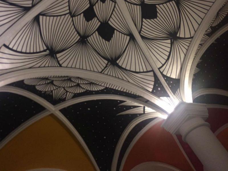 Arcada da Casa de Cultura Laura Alvim criada por RafaMon (Foto: Julia Pimentel)
