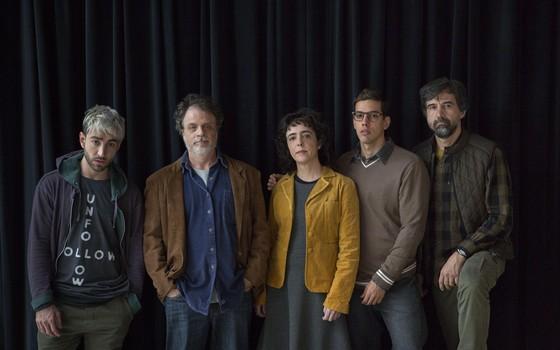 O elenco de Ceús: Rodrigo Pandolfo, Isaac Bernat, Silvia Buarque, Felipe de Carolis e Charles Fricks (Foto: Leo Aversa)