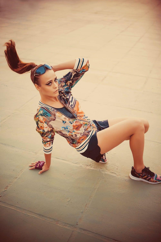 Casaco Ambicione / Short Nike / Top Fila para Centauro / Óculos Givenchy para Maxvision / Tênis Adidas para Farm