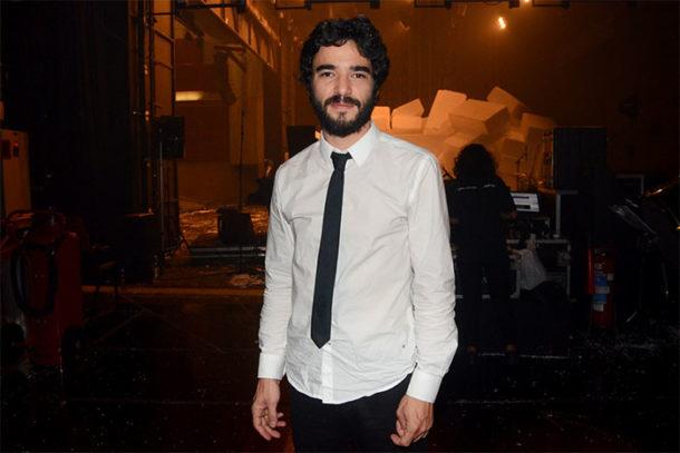 """O ator com o figurino da peça """"A Comédia Latino Americana"""" (Foto: Divulgação)"""