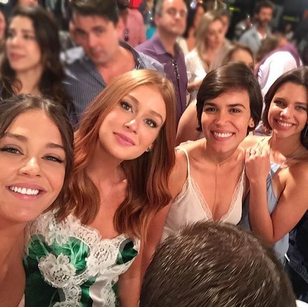 Marina Ruy Barbosa e Luma Costa com amigas (Foto: Instagram)