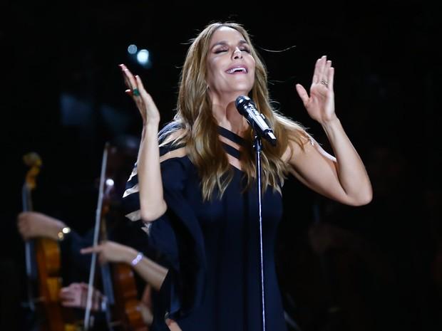 A cantora em show beneficente na Bahia (Foto: Manuela Scarpa/ Brazil News)