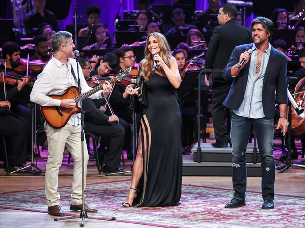 A cantora e a dupla Victor & Léo (Foto: Manuela Scarpa/ Brazil News)