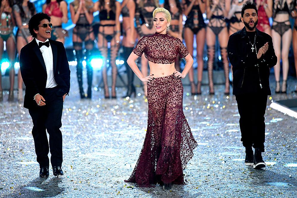Bruno Mars, Lady Gaga e The Weeknd no Victoria's Secret Fashion Show 2016 (Foto: Divulgação)