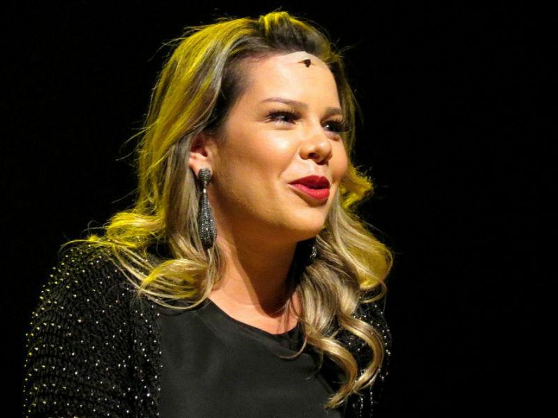 Fernanda Souza faz três sessões neste fim de semana no Rio, sendo uma delas beneficente (Foto: Reprodução)