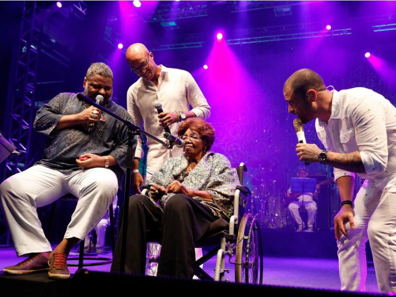 Arlindo Cruz, André Lara, Dona Ivone Lara e Diogo Nogueira na Arena Banco Original (Foto: Felipe Panfili)