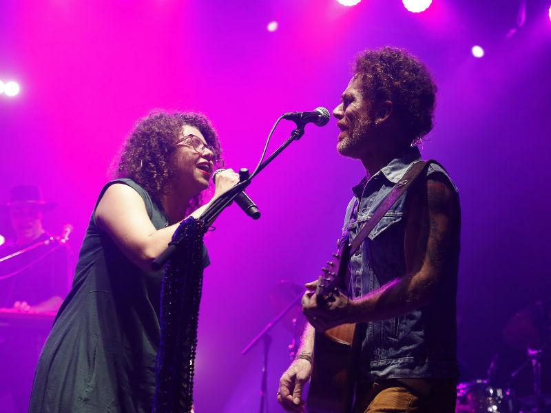 Roberta Campos e Nando Reis se apresentaram ontem no primeiro dia da Arena Bnco Original (Foto: Felipe Panfili)