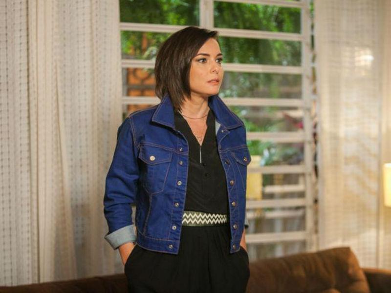 """Depois de entrar no meio da trama, a personagem de Regiane Alves será assassinada em """"A Lei do Amor"""" (Foto: Reprodução)"""