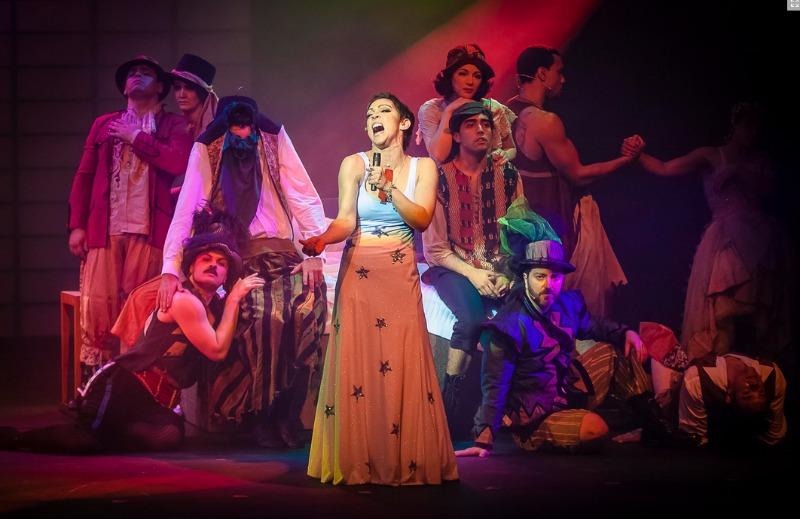 """A atriz no musical """"Elis - A Musical"""" (Foto: Divulgação)"""