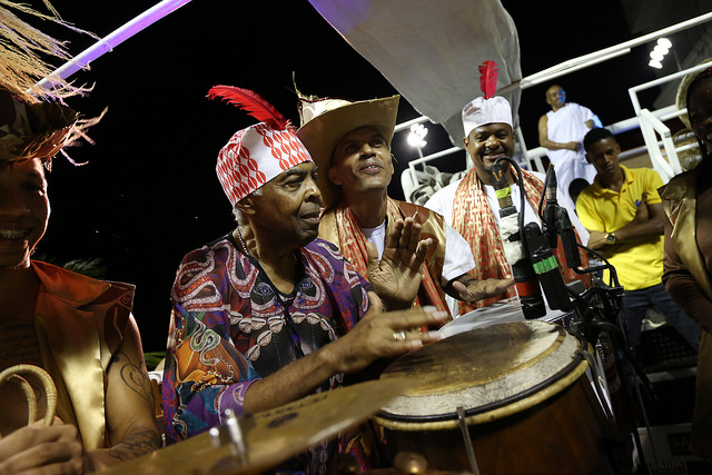Gilberto e Flora Gil celebram o carnaval ao lado de convidados incríveis no badalado Camarote Expresso 2222
