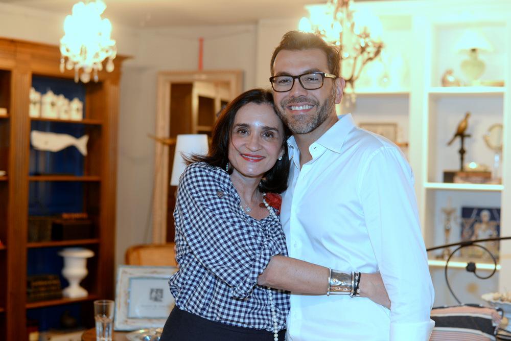 A condessa Bettina D'Archemont e Newton Lima (Foto: Juliana Rezende)