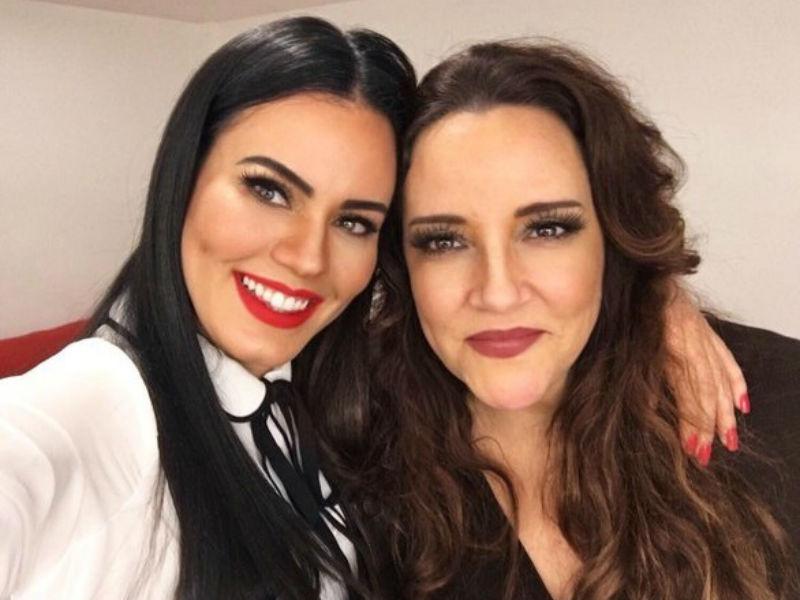 """Ana Carolina faz declaração apaixonada em homenagem ao aniversário da namorada Leticia Lima: """"Eu, se pudesse, triplicaria a Leticia pra ter várias e amar mais"""""""