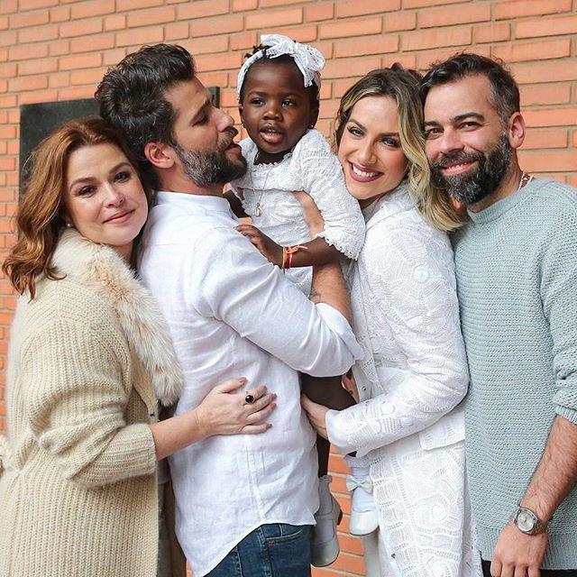 Juliana Pedrosa, Bruno Gagliasso, Titi, Giovanna Ewbank e Pedro Tourinho (Foto: Reprodução Instagram)