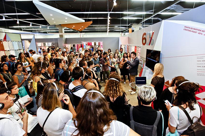 O público sedento por informações em primeira mão no Inspiramais atento às revelações feitas por Walter Rodrigues