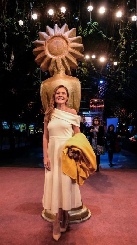 Adriana Esteves no tapete vermelho do Festival de Cinema de Gramado (Foto: Pressphoto)