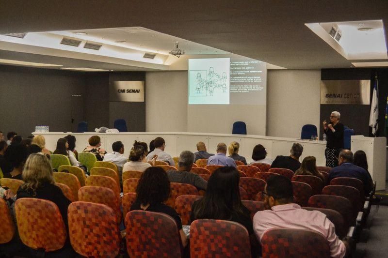 Cada participante teve a chance de acompanhar as palestras com consultores do SENAI CETIQT, visitar a Planta de confecção 4.0 e os laboratórios, além de um intercâmbio com empresários (Foto: Anna Castro)
