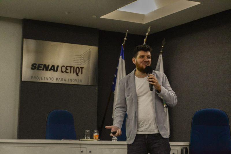 Fabrício Tardin, empresário, mostrou o case de sucesso de sua empresa Dellas Lingerie (Foto: Anna Castro)