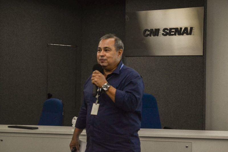 O consultor Luiz Claudio Leão fala sobre o método PUPI e ajuda empresas a se desenvolverem enquanto empoderam suas equipes (Foto: Anna Castro)