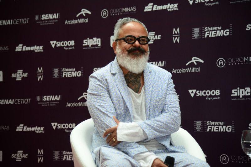Ronaldo Fraga, diretor criativo no Minas Trend, pensando já no futuro da semana de moda mineira e do maior Salão de Negócios da América Latina (Foto: Sebastião Júnior)