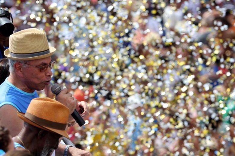 Paulinho da Viola no carnaval do Timoneiros