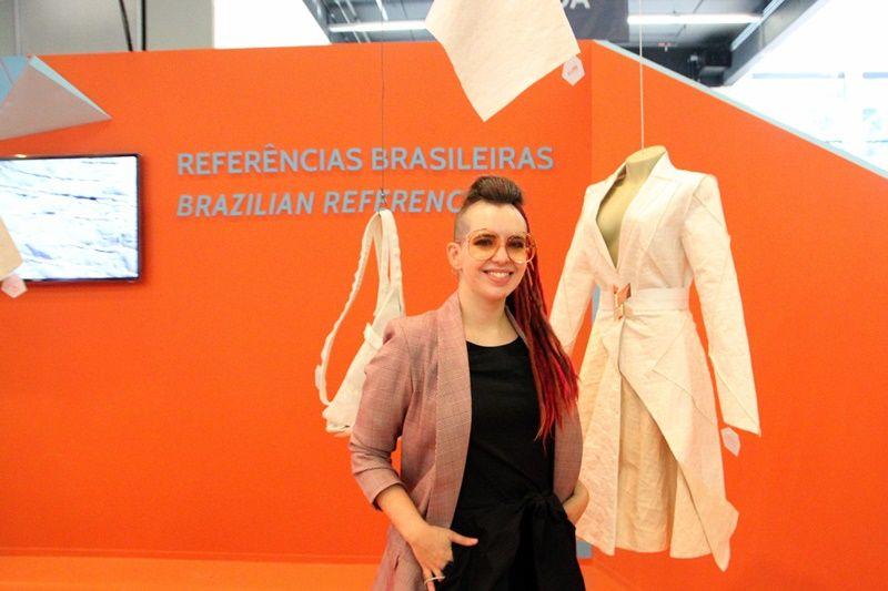 Julia Webber, integrante do Núcleo de Design da Assintecal, coordenado por Walter Rodrigues, vai apresentar no Inspiramais 2020_I o projeto Referências Brasileiras (Foto: Henrique Fonseca)