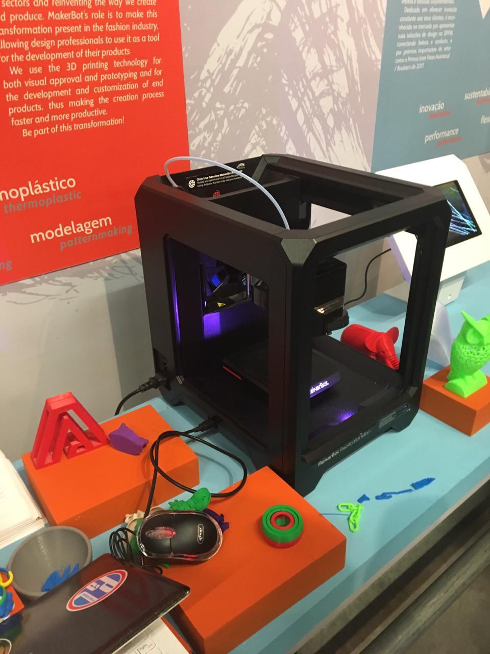 A Makerbot e a tecnologia de impressão 3D para prototipagem, desenvolvimento e personalização de produtos finais
