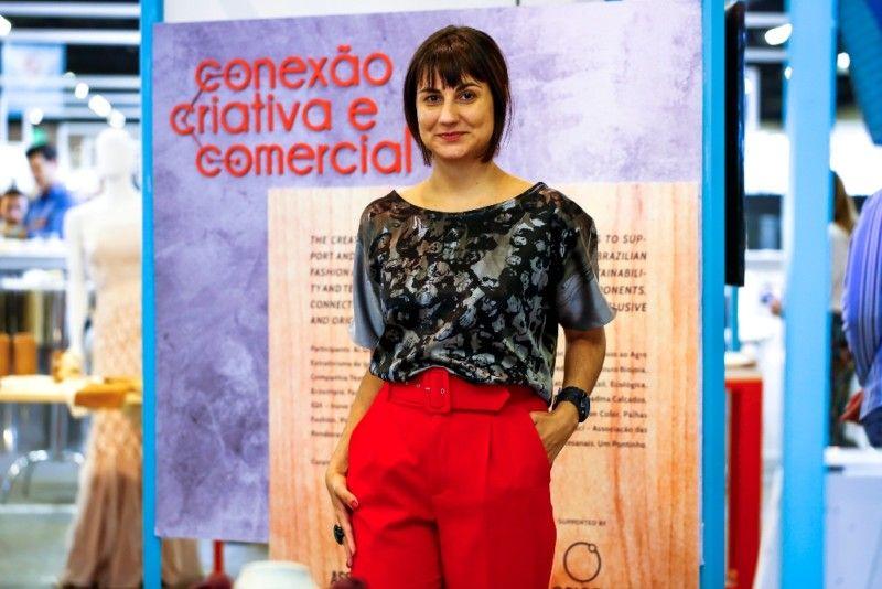 Flávia Vanelli, coordenadora do projeto Conexão Criativa e Comercial no Inspiramais 2020_I