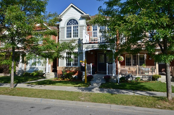 3BR Condo for Sale on 38 Lappe Avenue, Markham