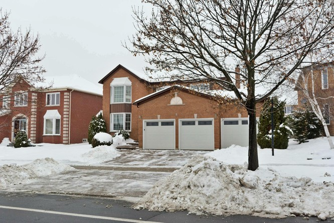 4BR Home for Sale on 8 Macrill Road, Markham