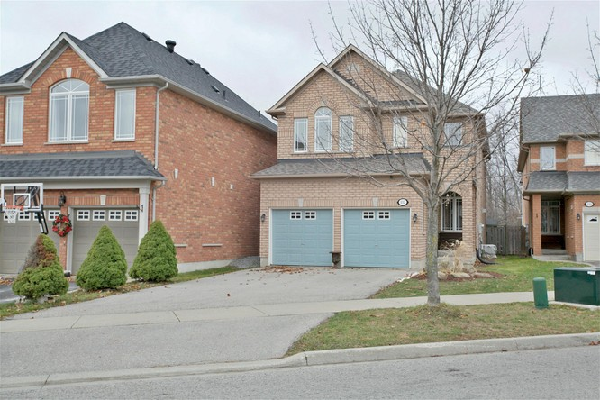 4BR Home for Sale on 132 Estate Garden Drive, Richmond Hill