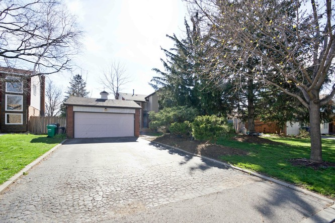 4BR Home for Sale on 39 Marchmount Crescent, Brampton