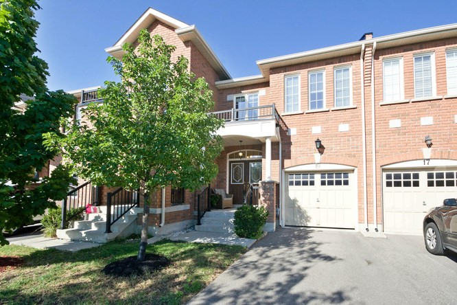 3BR Condo for Sale on 19 Summit Drive, Vaughan