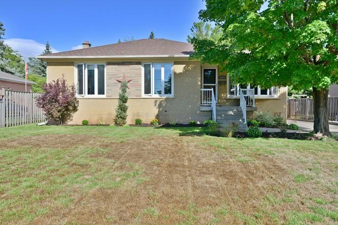 3BR Home for Sale on 2075 Bridge Road, Oakville