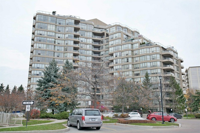1BR Condo for Sale on 20 Guildwood Pkwy #201, Toronto