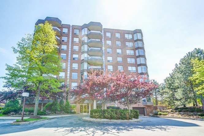 2BR Condo for Sale on 1901 Pilgrims Way #704, Oakville