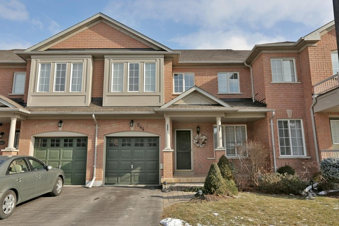3BR Home for Sale on 244 Fitzgerald Crescent, Milton
