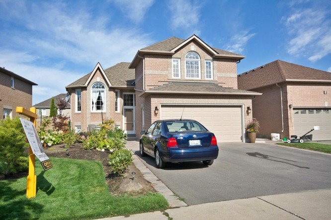 3BR Home for Sale on 3 Hubert Corless Drive, Bolton