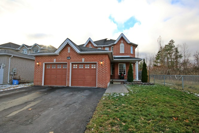 4BR Home for Sale on 2218 Adullam Avenue, Innisfil