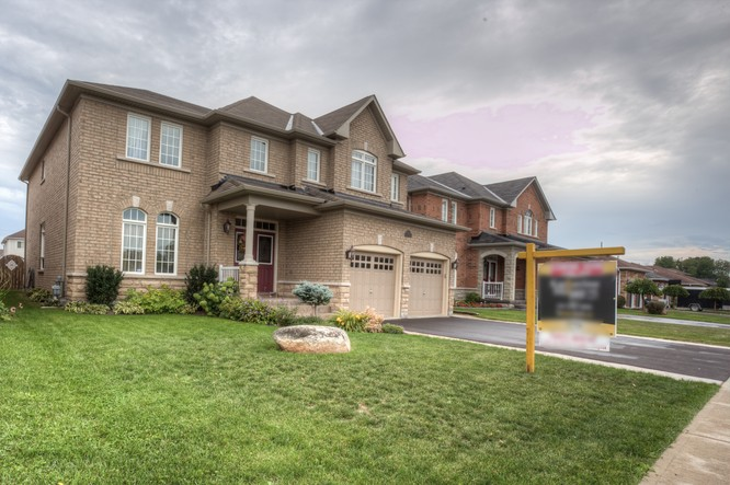 4BR Home for Sale on 130 Sandringham Drive, Barrie