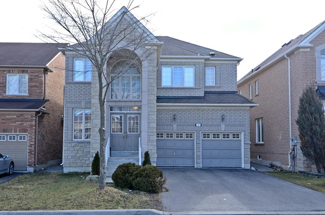 4BR Home for Sale on 19 Coral Cove Court, Markham