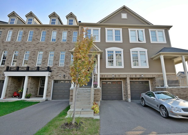 3BR Condo for Sale on 4823 Thomas Alton Boulevard, Burlington