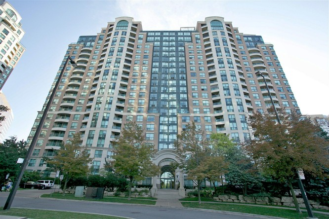 3BR Condo for Sale on 23 Lorraine Drive Lph 10, North York