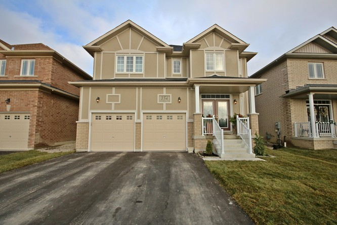 4BR Home for Sale on 154 Brookview Drive, Bradford