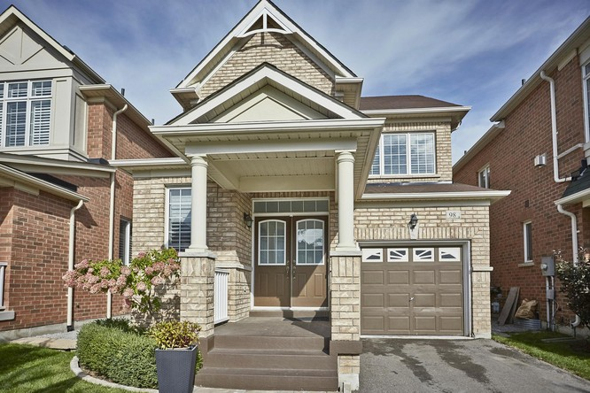 3BR Home for Sale on 98 James Ratcliff Avenue, Whitchurch Stouffville
