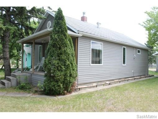 2BR Home for Sale on 1012 103rd Avenue, Tisdale